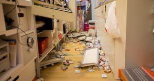 Verwarring en schok na inbraak de rommel opruimen